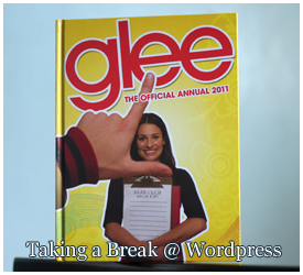 """Glee: The Official Annual 2011"""